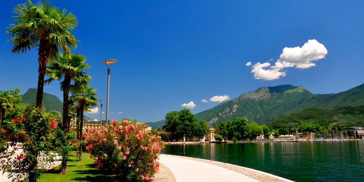 Hrad Castello Scaligero, městečko Malcesine a lanovkou na horu Monte Baldo