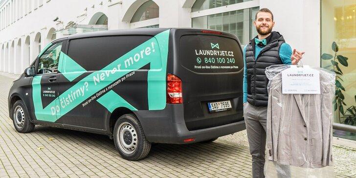 Online služba čištění oblečení s dopravou po Praze zdarma