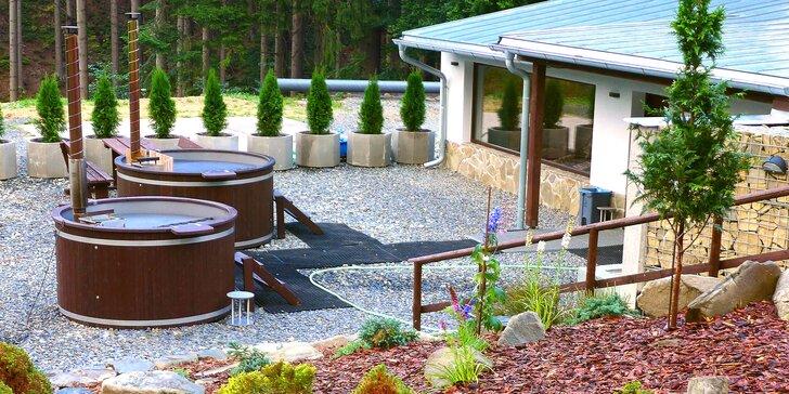 Pohodové léto pod Lysou horou: polopenze, sauna a možnost koupání v sudech
