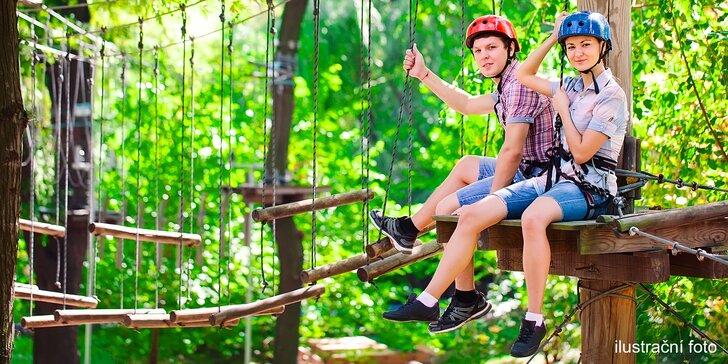 Dotkněte se korun stromů: Vstup do Lanového parku Máj pro jednotlivce či rodinu