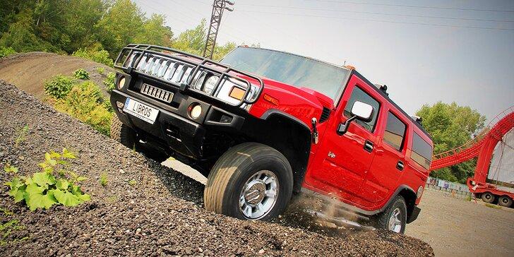 Zažijte pořádnou jízdu: 30 minut v terénním vozidle Hummer H2