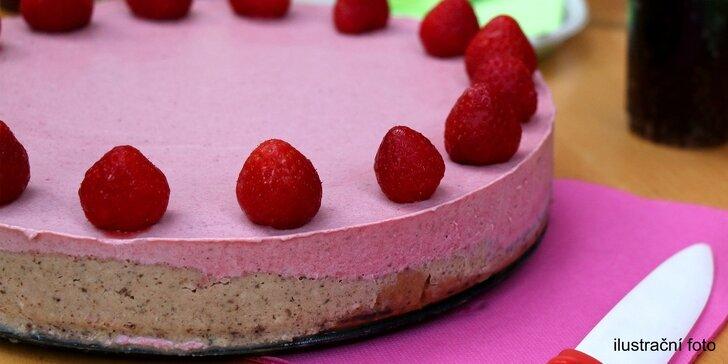 Chutný a zdravý: Celý raw dort ve čtyřech různých příchutích