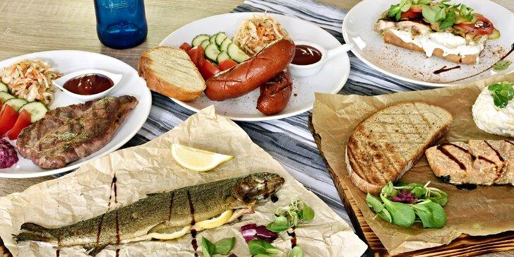 Dobroty z grilu v restauraci U Břehu pro 1 nebo 2 osoby