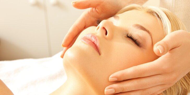 Dotek, který léčí: 60minutová masáž hlavy nebo nohou