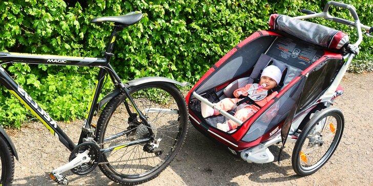Na cyklovýlet s nemluvňaty: Půjčení dětských vozíků za kolo ve dvou velikostech