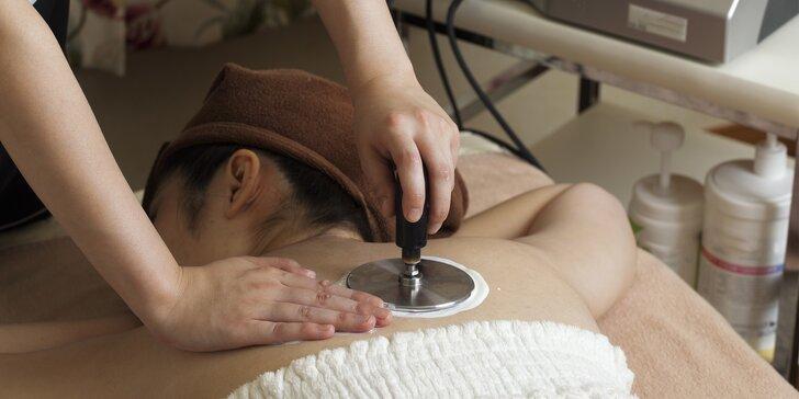 Zatočte se stresem či bolestí zad: elekltroakupunktura u lékařky