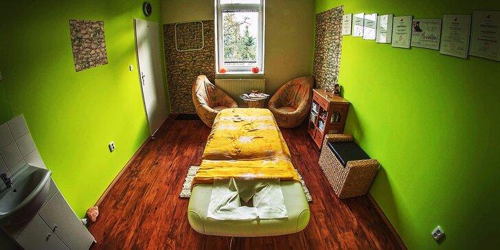 Osvěžující citrusová nebo mojito masáž na léto s okurkovým zábalem