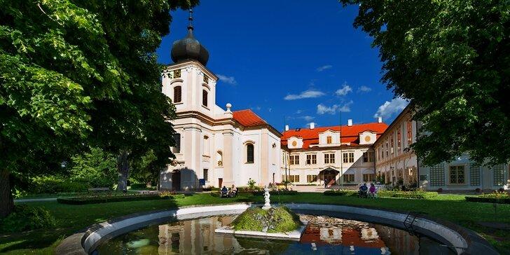 Léto na zámku Loučeň: pobyty s polopenzí pro dvojice i rodiny s dětmi do 18 let