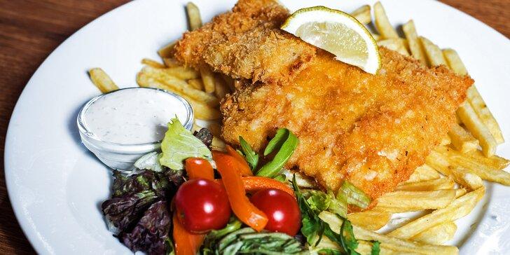 Křupavá dobrota jako z Londýna: Fish and chips s hranolky v centru Brna