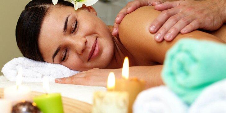 Relaxační masáž svíčkou: záda a šíje nebo celé tělo