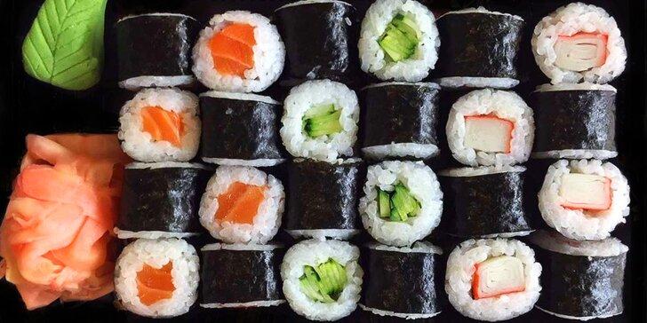 24 maki rolek s lososem, tuňákem, avokádem, ředkví, okurkou a krabí tyčinkou