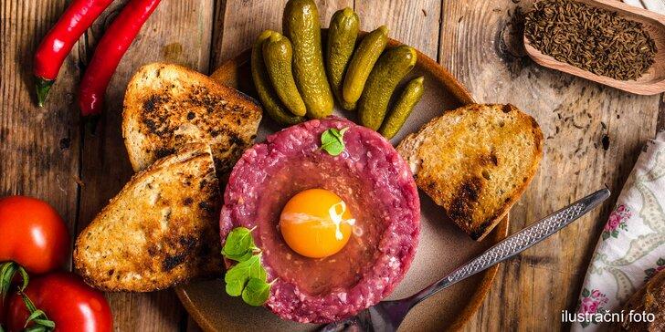 Vynikající bašta k pivečku: ½ kila vyhlášeného tataráku z pravé svíčkové