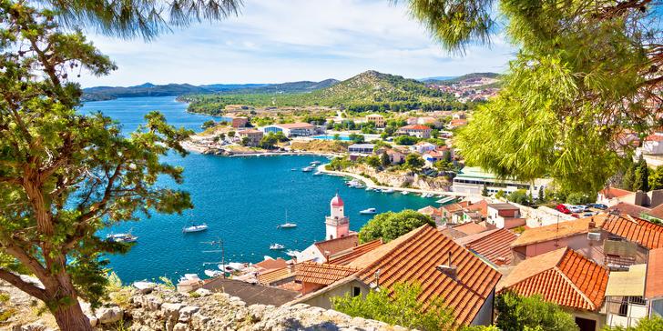Apartmány pro 2 nebo pro 4 vzdálené jen 80 m od moře u chorvatského Šibeniku