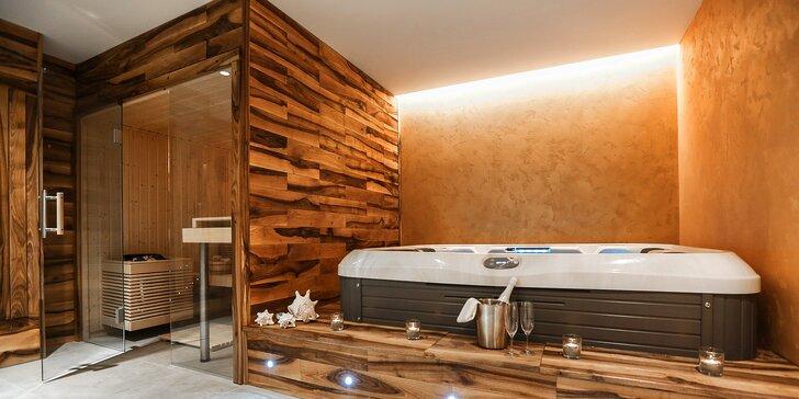 1 nebo 2 hodiny v privátním wellness až pro čtyři osoby: vířivka a úžasná sauna