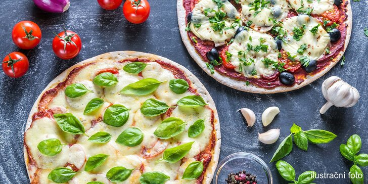 2 libovolné pizzy s průměrem 32 cm: na výběr 25 druhů