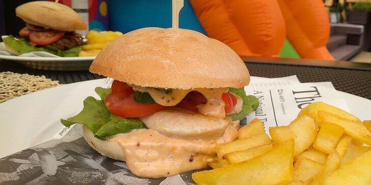 Na burger s rodinou: Menu pro dospělého a dítě v rekreační oblasti Hrubá Voda