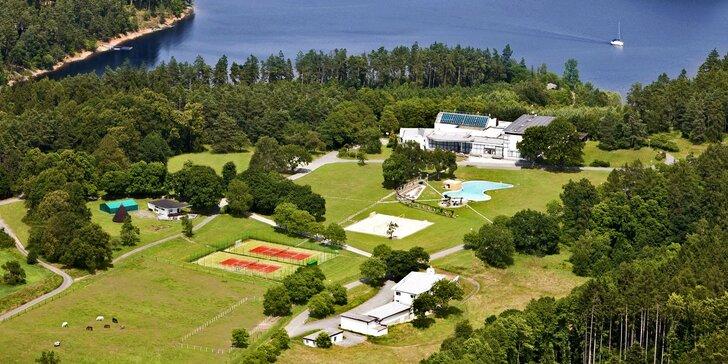 Pohádkový pobyt na Orlíku ve vile pro 10 osob: wellness, bazén i balíčky aktivit