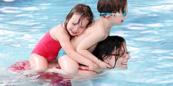 Podzimní rodinná dovolená v Krkonoších: vyhřívaný bazén, wellness a polopenze