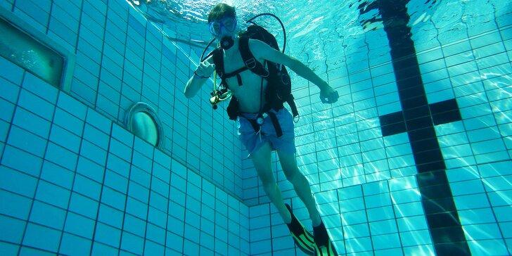 Staňte se potápěčem: Zkušební ponor v bazénu či v otevřené vodě vč. vybavení
