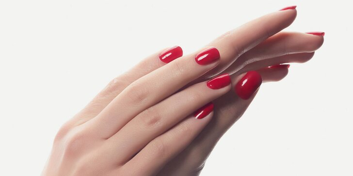 Kompletní péče o vaše nehty: manikúra včetně gel laku