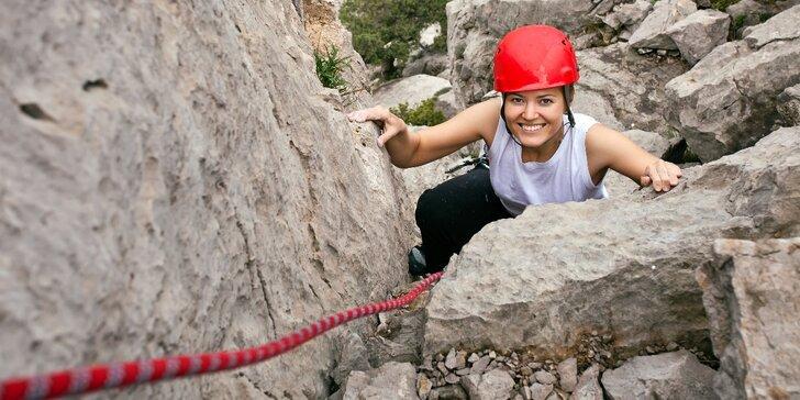 Jednodenní zážitkový kurz via ferrata lezení včetně instruktáže na Vysočině