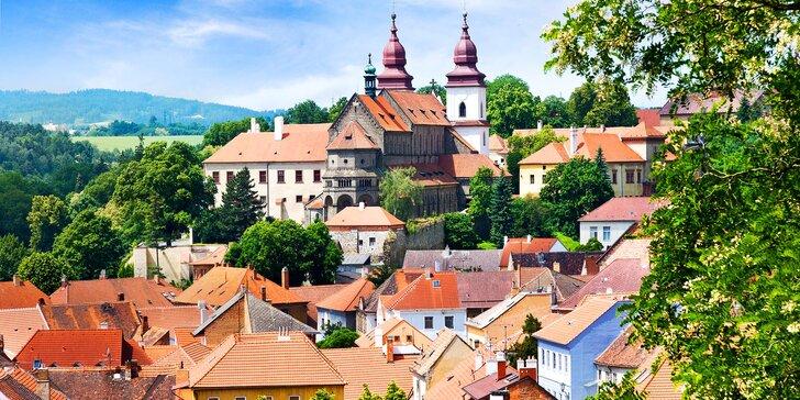 Letní pobyt v srdci Třebíče s památkami UNESCO: hotel s polopenzí a bazénem