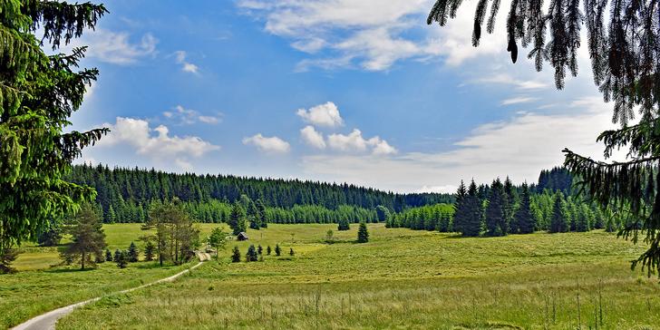 Nechte se okouzlit krásou Krušných hor: turistický pobyt pro 2 s polopenzí