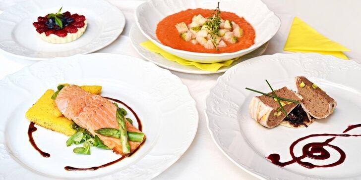 Kulinářský zážitek na Malé Straně: 4chodové menu s gazpachem a lososem pro 2