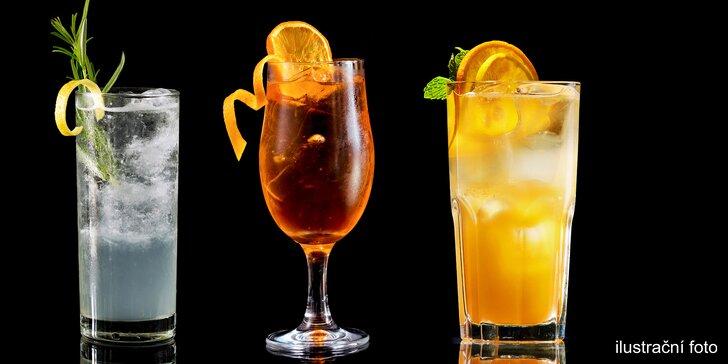 Aperol, gin s tonikem nebo vodka s džusem v luxusní restauraci na Ovocném trhu