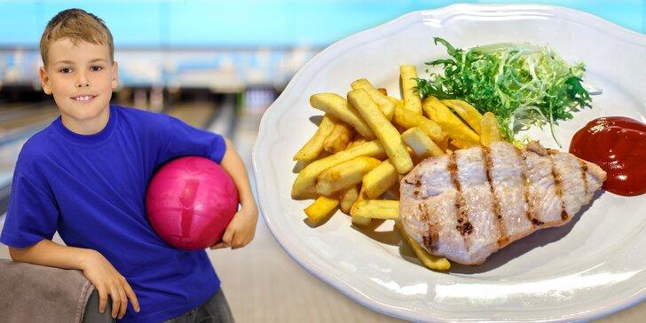 Pobavte se s rodinou: Bowling a 2 skvělé burgery (i bez lepku) nebo dětské jídlo