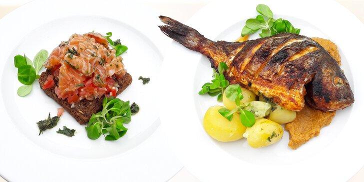 Středomořské menu o dvou chodech: bruschetta s lososem a pražma královská