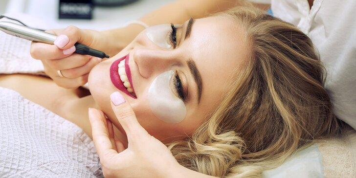 Kamufláž jizev: permanentní make-up nedokonalostí pleti