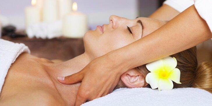 Výběr z 90 a 120minutových masáží – letní osvěžující i voňavé prohřívací
