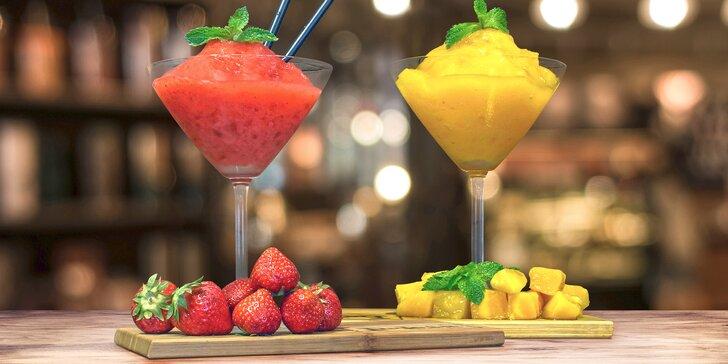 Letní relax s osvěžujícím koktejlem Daiquiri z karibského rumu pro 1 i pro 2