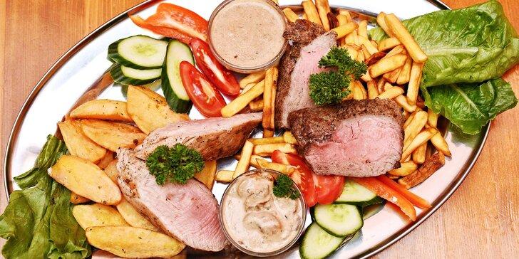 Hovězí steak či vepřová panenka pro 2 s omáčkou, přílohou a zeleninou