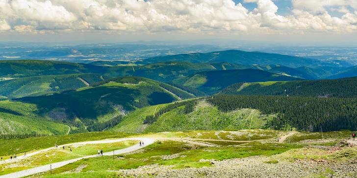 Léto až podzim v Krkonoších: polopenze, půjčení horských kol i malé wellness