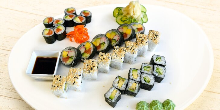 Když milujete sushi: čerstvé sety s lososem, avokádem i krevetami – 20 či 30 ks