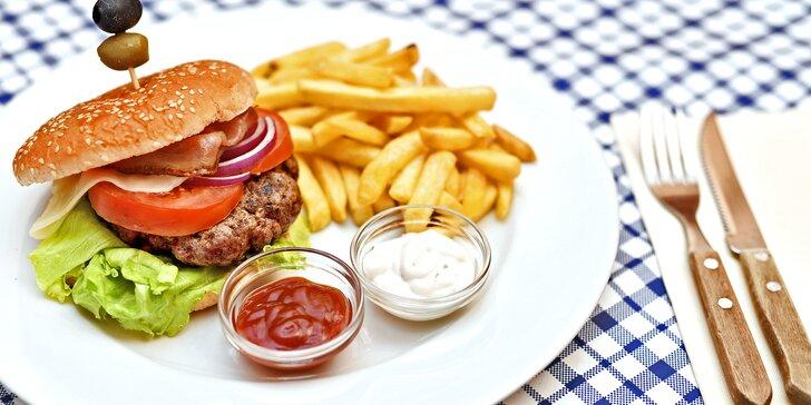 Jak chutná v historickém centru: Burger v restauraci na Staroměstském náměstí