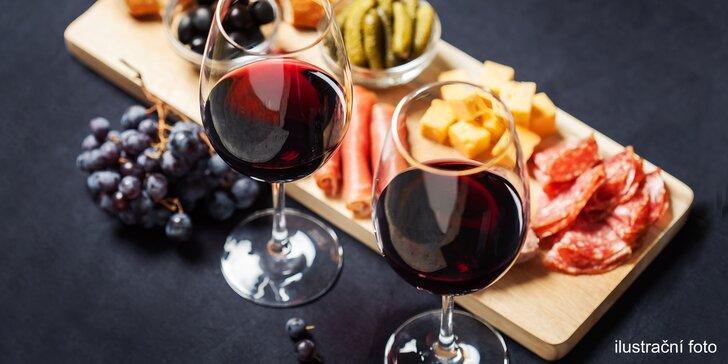 Vinný večírek v Nuslích: talíř se sýry a klobáskami a 0,5 nebo 1 l vína dle výběru