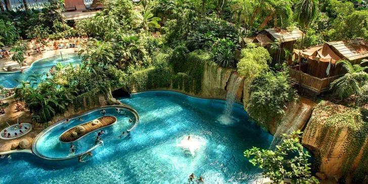 Celodenní výlet do tropického ráje Tropical Islands v Německu včetně vstupenky