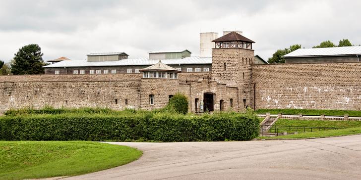 Návštěva koncentračního tábora Mauthausen včetně cesty po tzv. schodech smrti