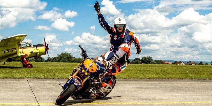 Kaskadérská motocyklová show a divoká spolujízda pro 2, 4 nebo 6 osob