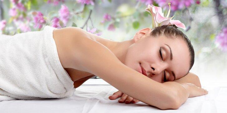 40minutová relaxační masáž dle výběru - klasická, lávové kameny