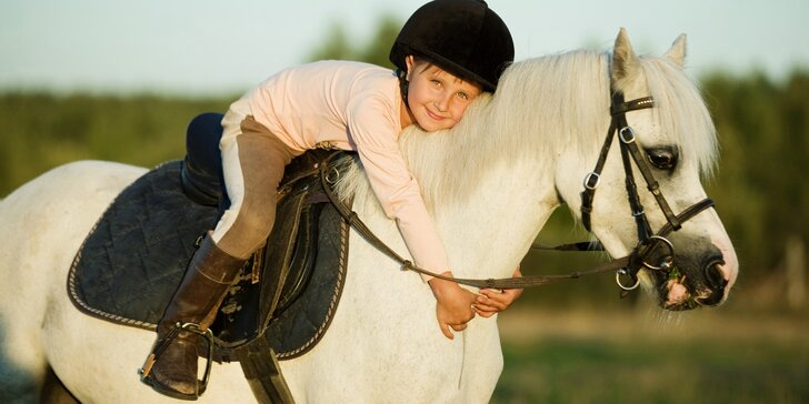 Letní příměstský tábor s koňmi: 5 dní na Šťastném ranči nedaleko Prahy