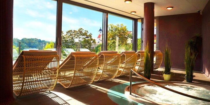Letní relaxace na Náchodsku s wellness, snídaněmi a romantickou večeří pro dva