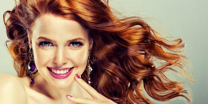 Kadeřnické balíčky i profesionální barvení vlasů pro všechny délky