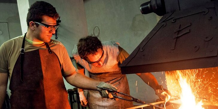 Kovářský kurz pro jednoho či rodinu: vyrobte si s mistrem kovářem vlastní podkovu