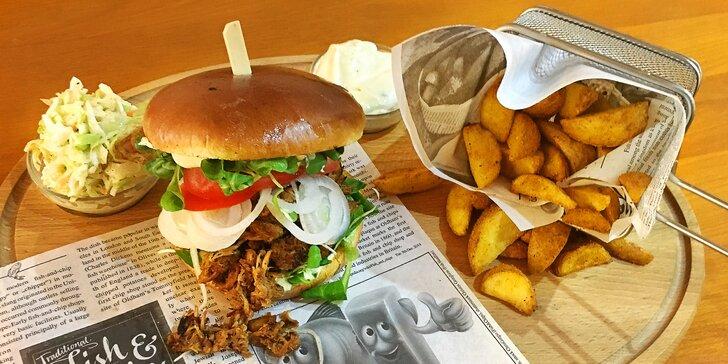 Masový gastrozážitek: 2 burgery z více než 5 hodin pečeného vepřového s přílohou