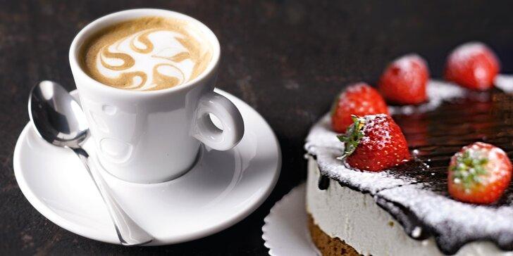 Zastavte se ve stylové kavárně na Smíchově: teplý nápoj a čokoládový cheesecake