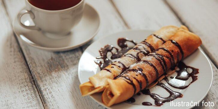 Palačinka s čokoládou a marmeládou a espresso pro dva